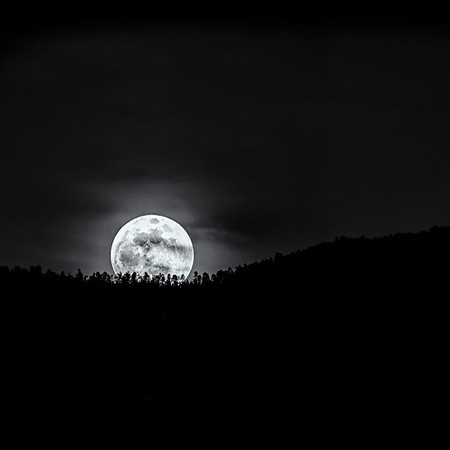 Santa Fe Supermoon<br /> © Sharon Thomas