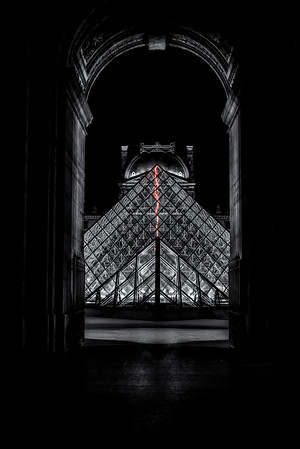 Louvre Pyramid - Night 4<br /> © Sharon Thomas