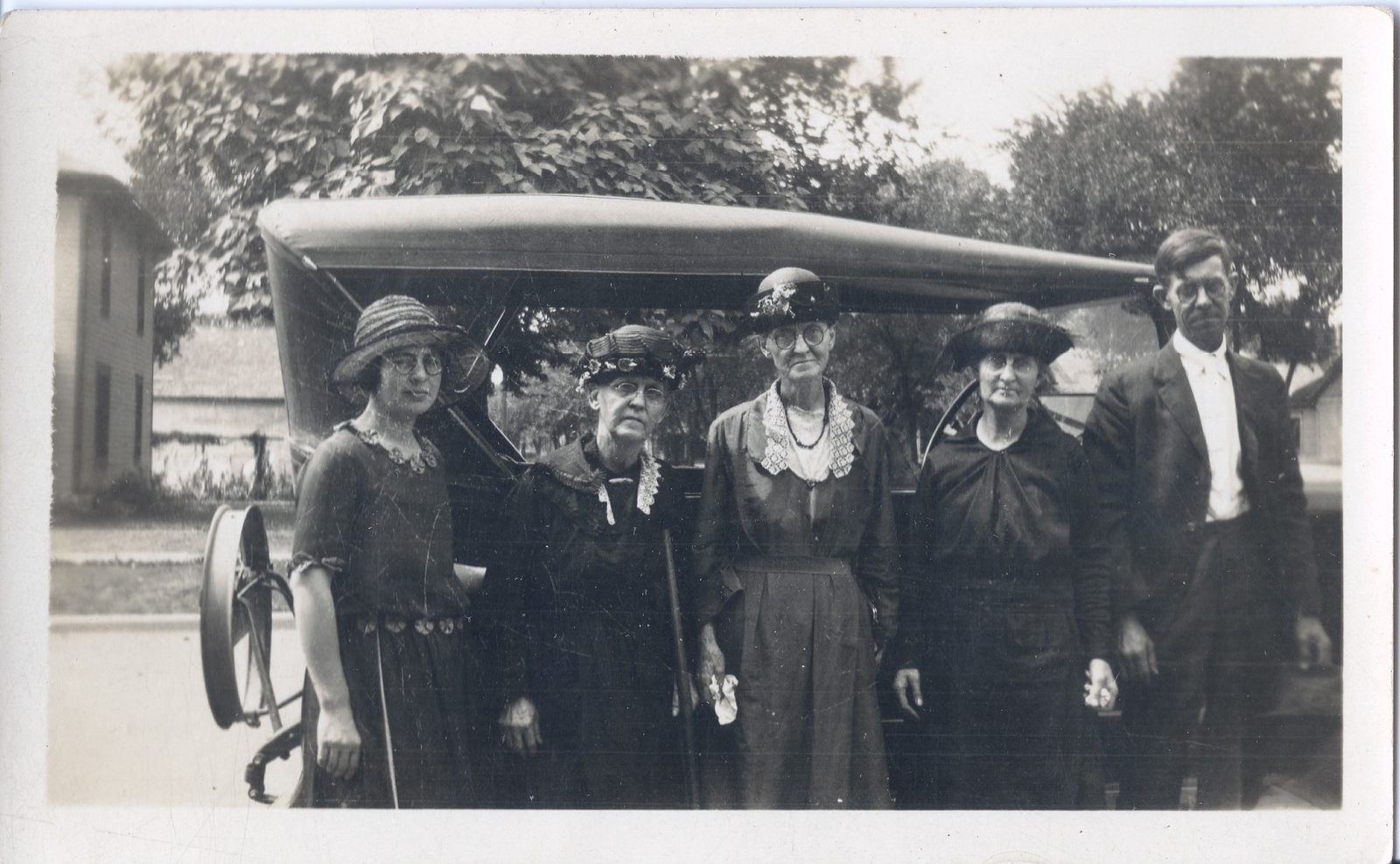 L-R Irene (Kimmell) Grace,Sarah Black,Margaret Magill Kimmell,unknown,Edward