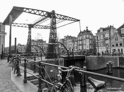 Amsterdam - old canal lock