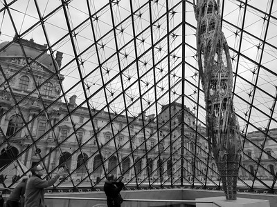 Wim Delvoye steel sculpture at the Louvre museum