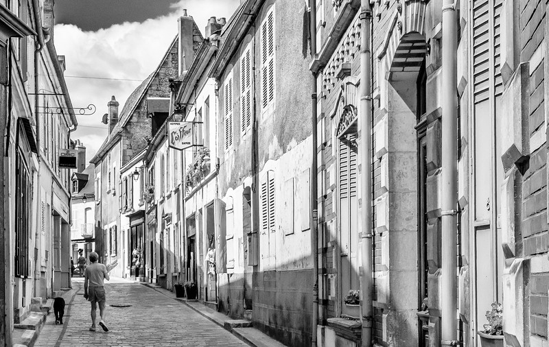 Street scene in Sancerre.