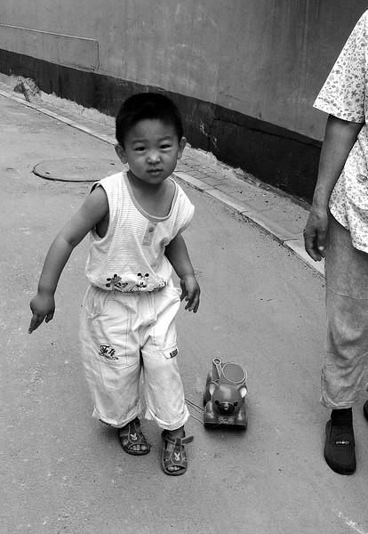 Little boy, Beijing hutongs