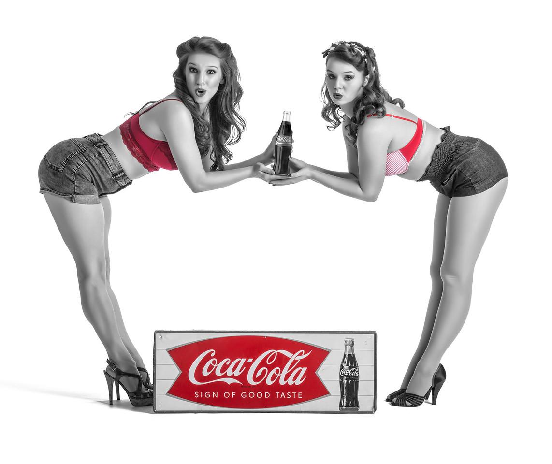 Models: Hillary Porter and Kristen Sandler, Makeup: Ximena Ocha