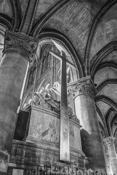 Notre Dame High Altar [BW]