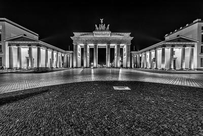 Brandenburg Gate 0444 hrs