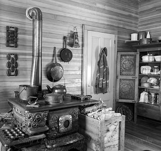 Pioneer kitchen