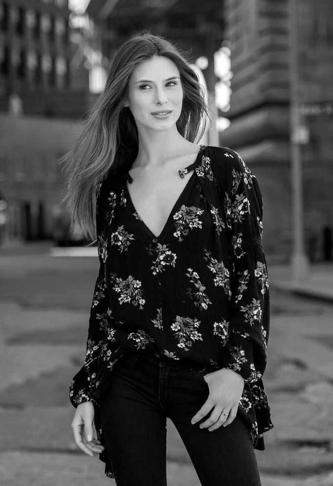Model: Allie Leavy