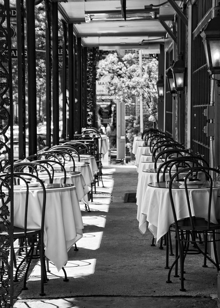Outdoor dining tables at the Lambertville House, Lambertville, Pennsylvania.