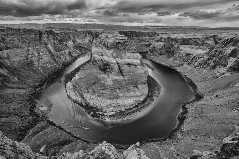 Boat Rounds Horseshoe Bend, Page, Arizona