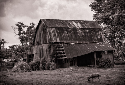 Barn on Clay City Blacktop 2018
