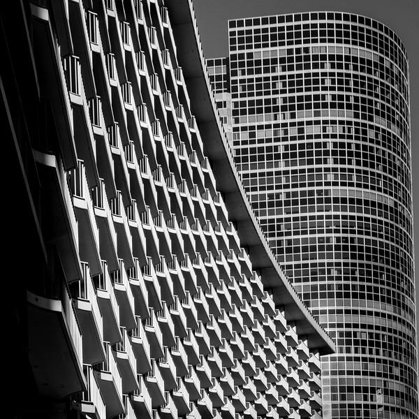 Century Plaza Hotel bw