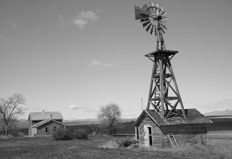 Windmill outbuilding and old farmhouse