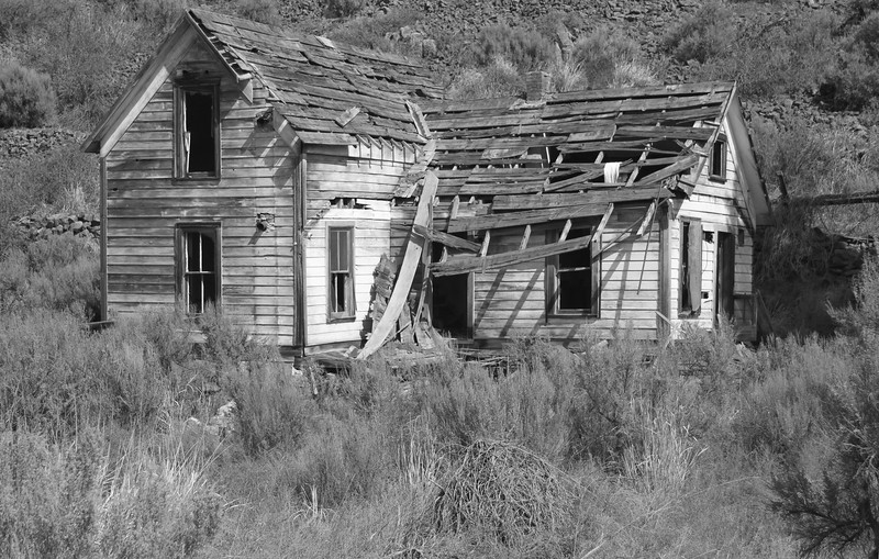 Decaying farmhouse.