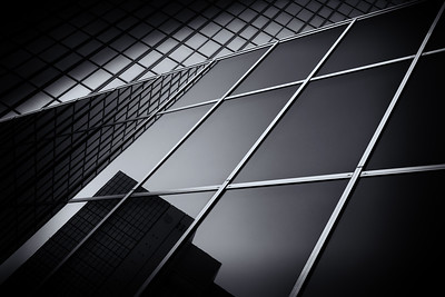 tokyo-architecture-in-black-and-white