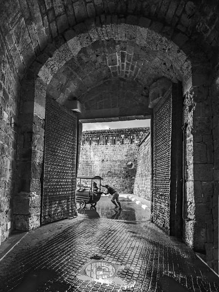 Acre gates