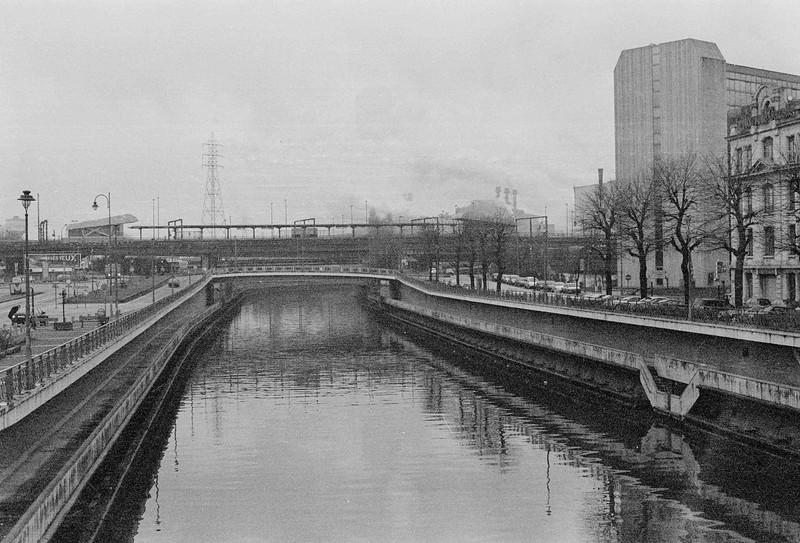 Pont de Sambre, Charleroi - Minolta XG-1, 50mm et Ilford FP4