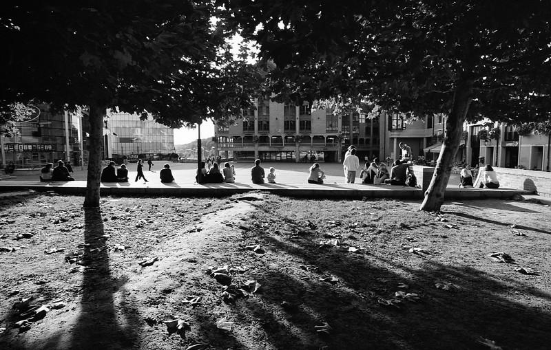 Place de l'Unif, LLN - F100, 20-35 et Kodak BW400
