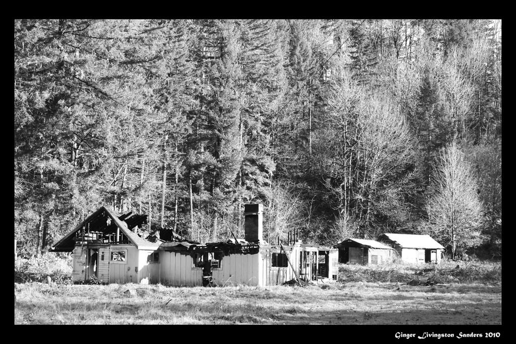 Burned house on the Santiam Pass, Oregon