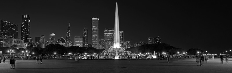 Buckingham Fountain In Black And White (X)