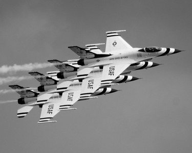 Lockheed Martin F-16 Fighting Falcon - Thunderbirds
