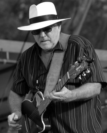Ribfest - 2012 - Naperville, Illinois - Navistar Stage - Heartsfield