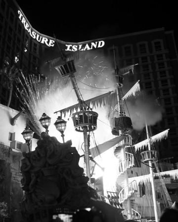 Las Vegas Architecture - Sirens of Treasure Island