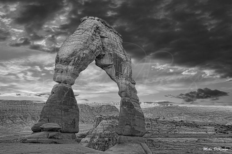 Delicate Arch at Dawn 2189 w54