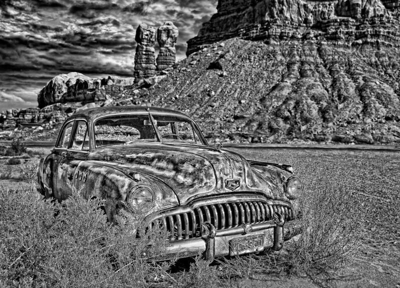 Abandoned Old Buick 2006 w51