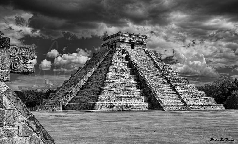 Pyramid of Chichen Itza 8863 w35