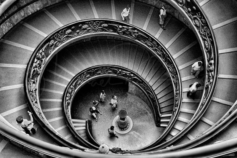 Vatican Spiral Stairway - Italy  5724