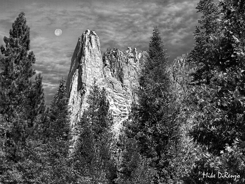 Moonrise Over Yosemite  12413  w24