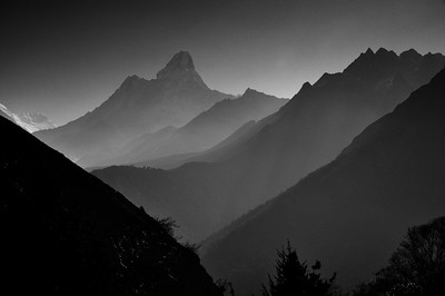 Ama Dablam, morning light, from the trail between Khumjung and Sanasa