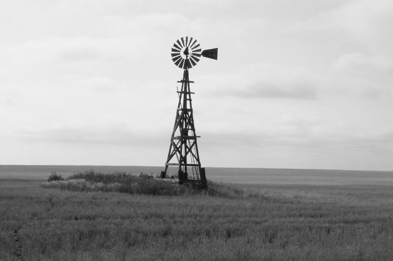 Aeromotor at abandoned farm near CO NM border