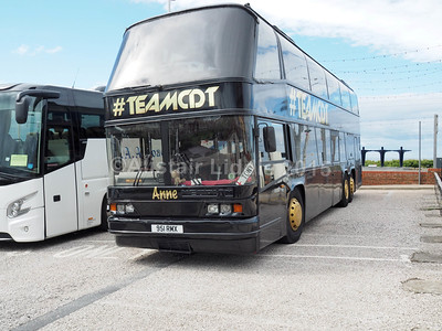 #TEAMCDT Neoplan Skyliner 951 RMX Nearside, dance troupe performing in Blackpool
