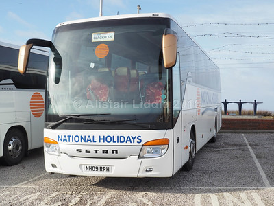 National Holidays, Hull Setra S415 GT-HD NH09 RRH (2)