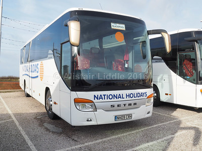 National Holidays, Hull Setra S415 GT-HD NH09 CRH (1)