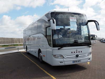 Gibson Direct, Renfrew Mercedes-Benz Tourismo BF16 XPY (2)