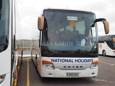 National Holidays, Hull Setra S415 GT-HD NH10 MSH (2)