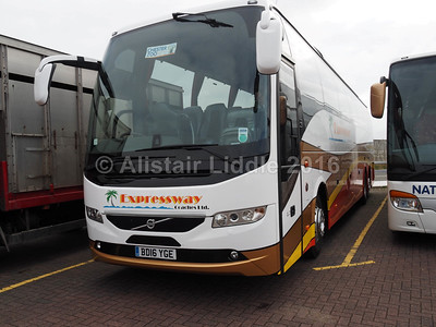 Expressway Coaches, Rotherham, Volvo 9700 B11R BD16 YGE (1)