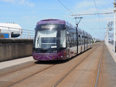 Blackpool Transport Bombardier Flexity 2 002 (3)