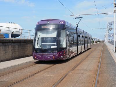 Blackpool Transport Bombardier Flexity 2 002 (3)