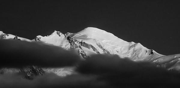 """""""Ces montagnes ont toutes leur histoire et font vivre ces instants d'inspiration où l'on est entièrement coupé du monde d'en bas"""""""