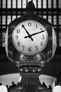 11:11 blanco y negro.