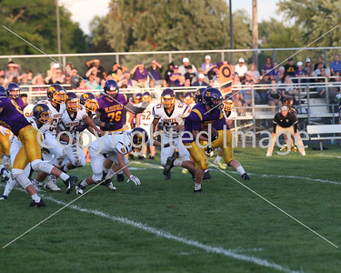 Hunter Smith outrunning the Onsted defense