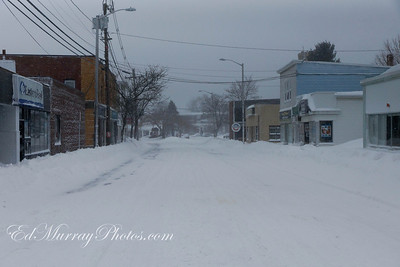 A deserted Lincoln Ave (Cliftondale)