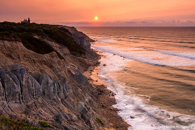 Hazy Sunrise at Mohegan Bluffs