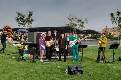Saddleback Irvine Blocktober 2013 - photo by Allen Siu