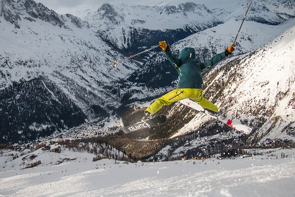 Hucking jumps at Grand Montets! (pt2)
