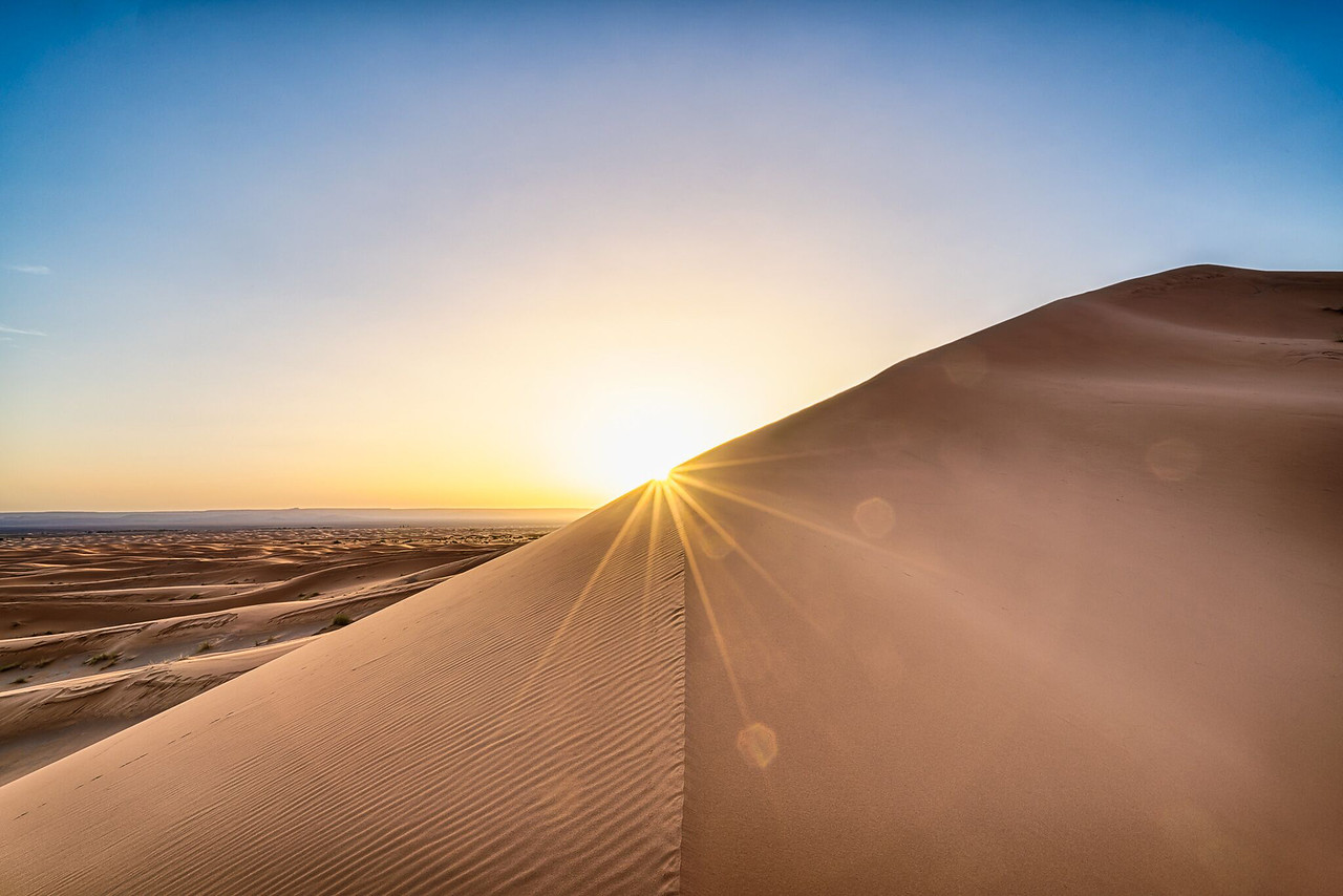 Andy Yee - Sunrise on the Erg Chebbi Dunes in the Sahara Desert of Morocco